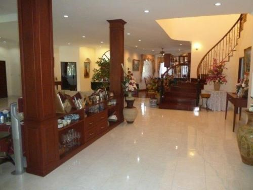 Unique 5 Bedroom 6 Bathroom House for Sale in East Pattaya - House - Pattaya -