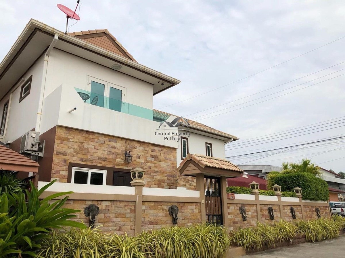 Luxury Two storey house with Pool for Sale in quiet village in East Pattaya. - House - Pattaya East - East Pattaya