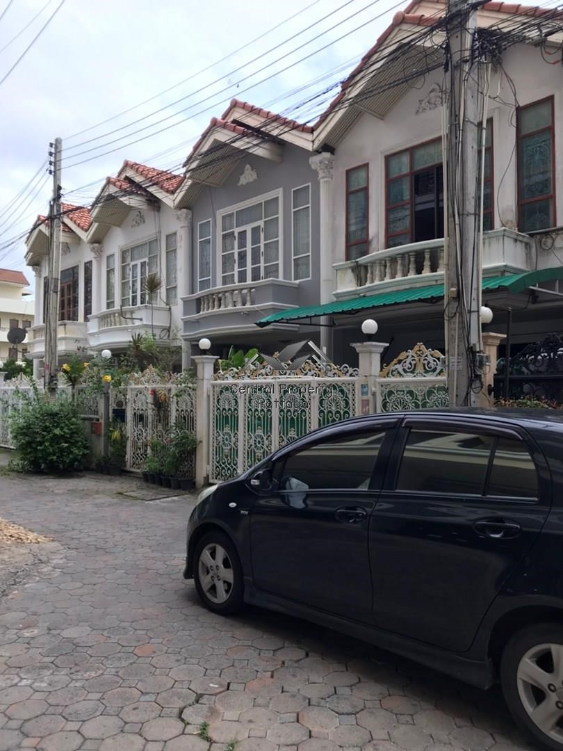 Two bedroom Three bathroom Townhouse for sale in Central Pattaya. - House - Pattaya -